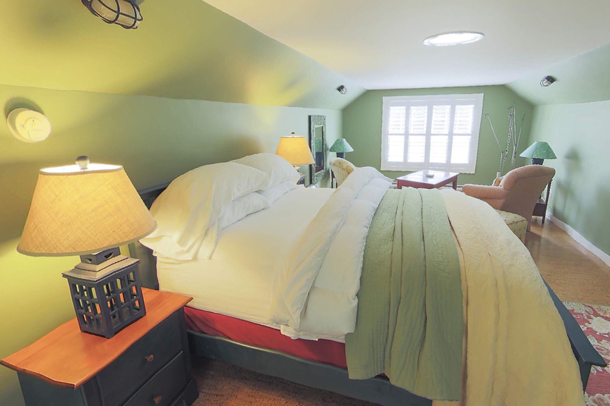 The Bailey House Bed and Breakfast The Coach House Gallery E